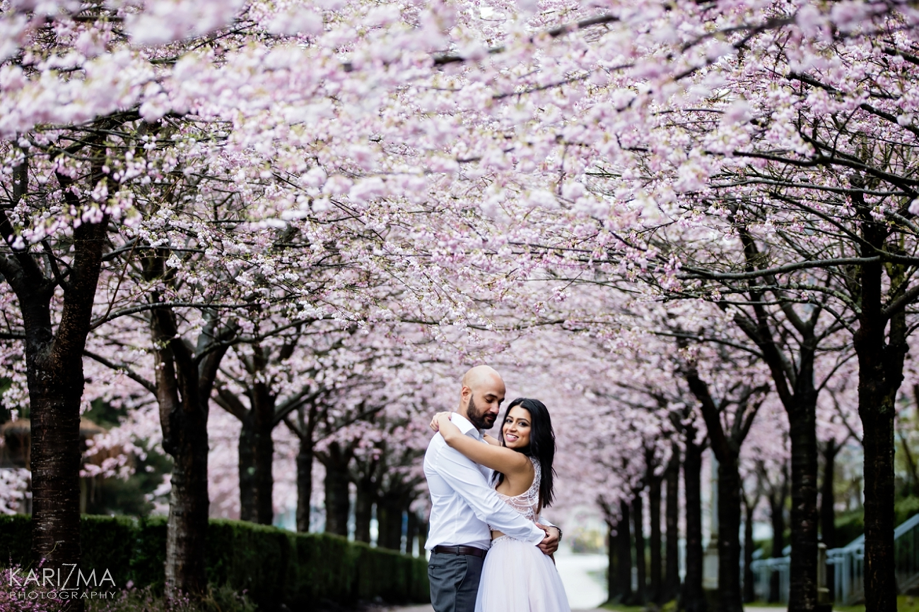 VANCOUVER CHERRY BLOSSOM ENGAGEMENT (9)