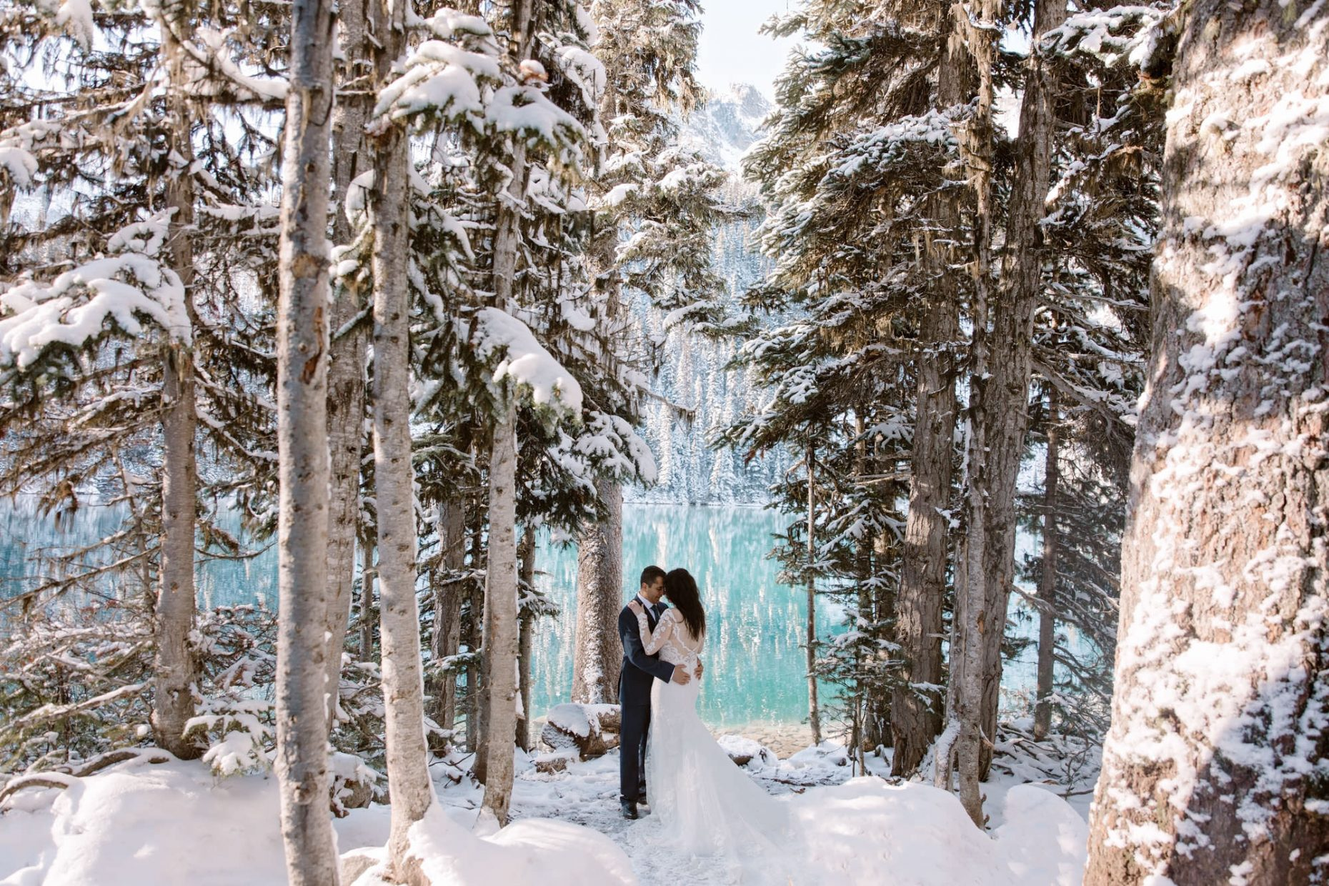 wedding photos on Joffre Lakes, winter