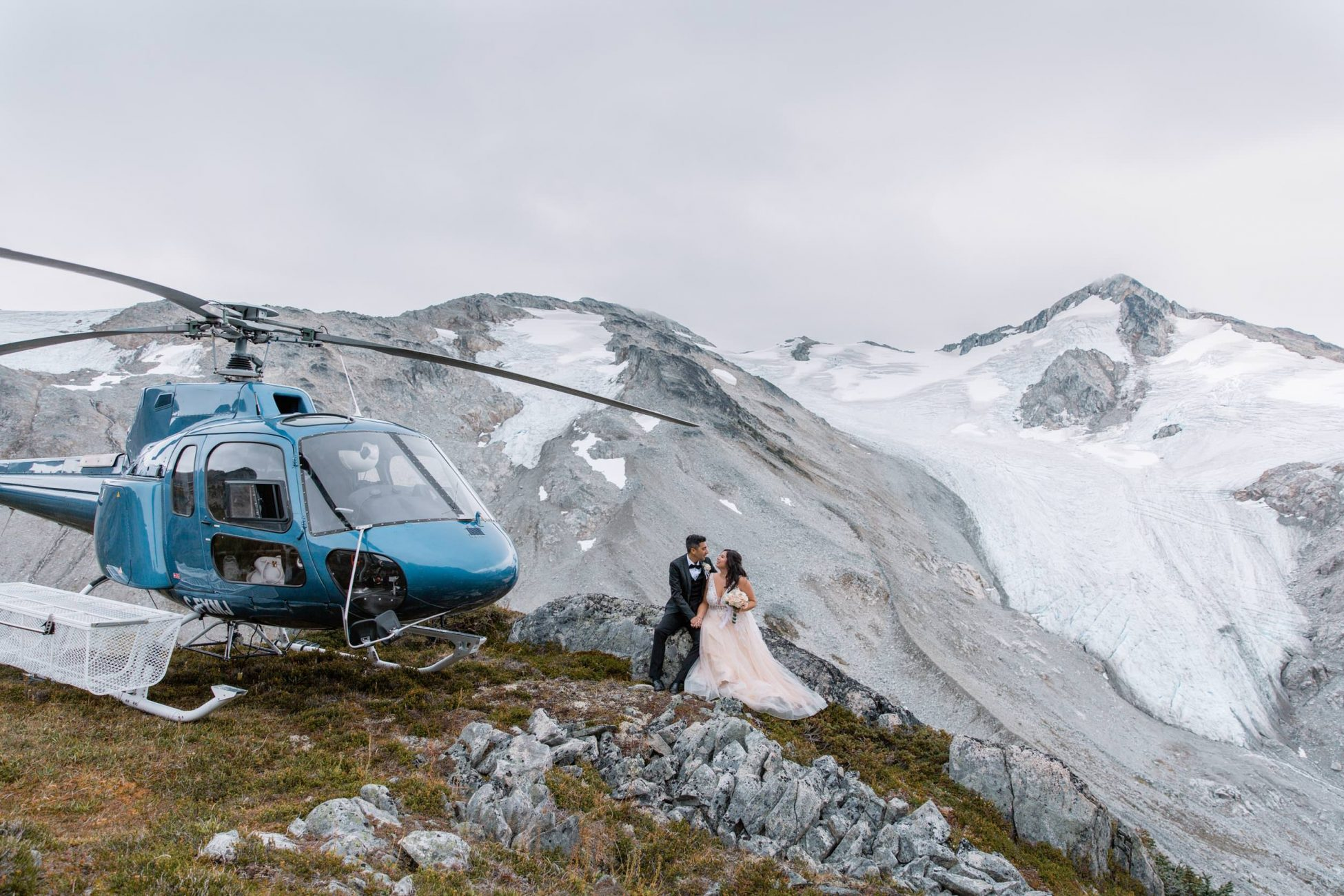 How to plan your helicopter wedding